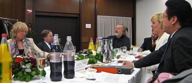 Jury_meeting